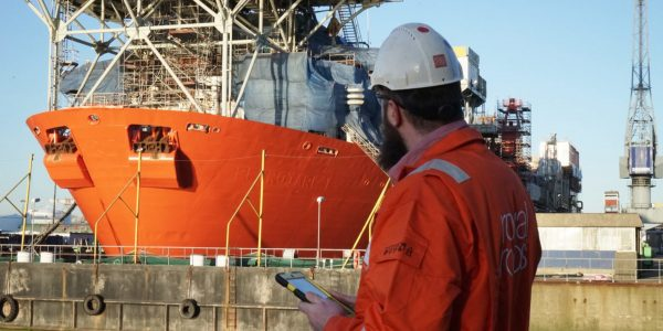 Vince from Royal Roos has Full control over FPSO update with iPad on site